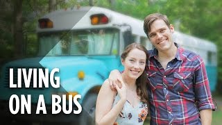 Download This Couple Lives In A Bus To Escape Chicago's High Cost Of Living Video