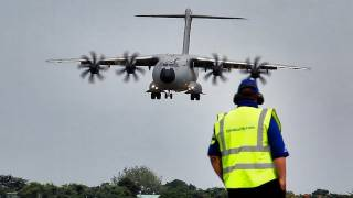 Download Airbus A400M Aerobatics HD Video