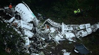 Download Colombia: Plane carrying football players from Brazil crashes near Medellin Video