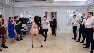 Download Батл на свадьбе Петра и Кристины. Танцы парней против девушек Video