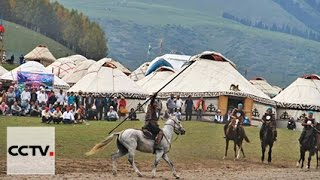 Download Стивен Сигал в Кыргызстане примерил образ воина Video