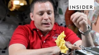 Download Eating Food in Space Video