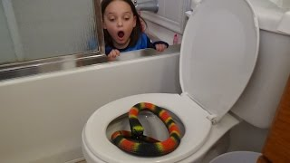 Download Giant Snake In Toilet vs Plunger Girl ″Victoria Saves Annabelle From Bite″ Toy Freaks Attack Video