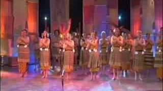 Download Ngoi Ngoi- (LIVE) Patea Maori Club!!! Video