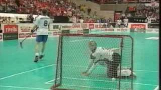 Download Suomi-Sveitsi salibandyn MM-kisat 2004 pronssiottelu, rankkarikisa Video