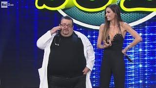 Download Nello Iorio con Elisabetta Gregoraci - Il medico - Made in Sud 26/04/2017 Video