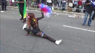 Download JAMAICAN GIRL MAKES SPLITS TWERKING ON EASTERN PARKWAY - WEST INDIAN LABOR DAY PARADE 2016 BROOKLYN Video