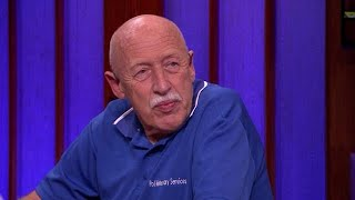 Download Verdrietig: incredible Dr. Pol slaapt eigen hond in - RTL LATE NIGHT Video