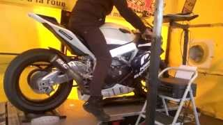 Download Aprilia RSV4 APRC 2014 SC Project exhaust Dyno Video