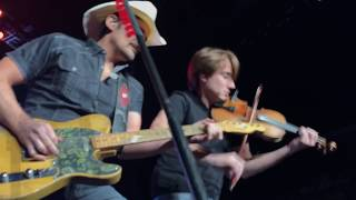 Download Brad Paisley Live - Weekend Warrior World Tour 2018 - ″Last Time″ and ″Old Alabama″ Video