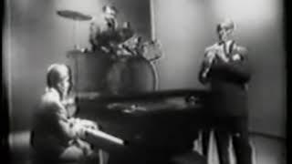 Download Benny Goodman Trio (China Boy and Sheik of Araby) Video