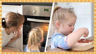 Download 벌써 훌쩍 커버린 로즈와 처음으로 토스트 피자 만들기!🍕 Video