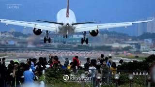 Download 104 12 20 松山機場 落地的震撼 Video