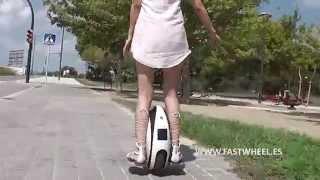 Download Circulando con el monociclo eléctrico rueda eléctrica FASTWHEEL EVA Video