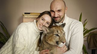 Download Couple Share Studio Flat With A Cougar | BEAST BUDDIES Video
