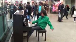 Download DUDE ROCKS OUT AMAZING GRACE TO AMAZED CROWD Video