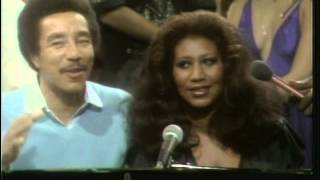 Download Aretha Franklin & Smokey Robinson ″Ooh Baby Baby″ (live) + interview Video