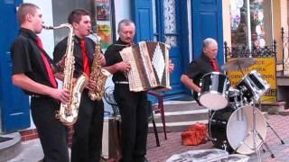 Download Siemiatycze - Kapela Bondarczuków. 1. Muzyka na ulicy Video