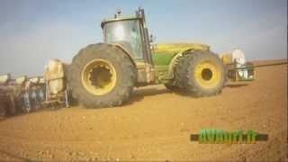 Download JOHN DEERE 8400 et semoir MONOSEM 18 rangs aux betteraves en 2012 Video