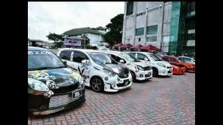 Download Tom's Stickers Auto Salon Night 2012 Video