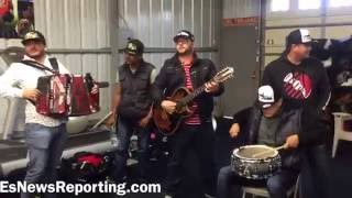 Download Live music and birthday cakes for Abner Mares - esnews boxing Video