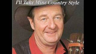 Download Slim Dusty - Along The Road To Gundagai Video