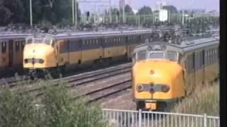 Download 19950822 1440u Zwolle rangeer Mat '54 terzijde Video