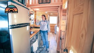 Download She LEFT CORPORATE AMERICA For A TINY HOUSE In Rural Colorado Video