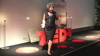 Download Pourquoi les Français sont (vraiment) nuls en anglais: Carol Bausor at TEDxIsèreRiver Video