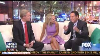 Download Fox & Friends welcomes Elisabeth Hasselbeck & tours the new set and new curvy couch Video