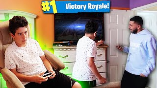 Download TURNING TV OFF ON KID ADDICTED TO FORTNITE! *FREAK OUT* Video