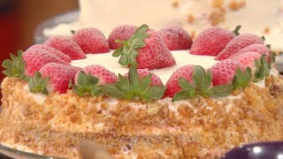 Download Buddy Valastro's Strawberry Milkshake Cake Video