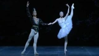 Download Svetlana Zakharova & Roberto Bolle - La Bayadere Pas de Deux (La Scala) Video