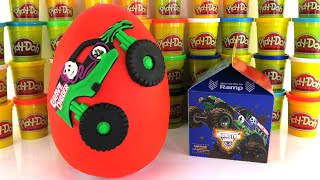 Download GRAVE DIGGER MONSTER JAM TRUCK GIANT PLAY DOH SURPRISE EGG MONSTER JAM MCDONALDS HAPPY MEAL TOYS Video