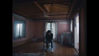 Download Alec Benjamin - Let Me Down Slowly (feat. Alessia Cara) Video