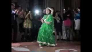 Download Balaca Xedice Toyda hamini hind reqsi ile ayaga qaldirdi Video