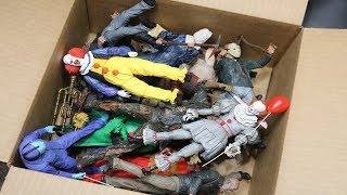 Download MASSIVE BOX FULL OF HORROR ACTION FIGURES! Video