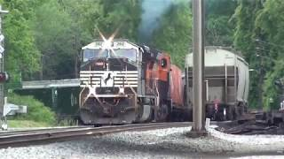 Download NS 230 pulls out of the siding in Stockbridge, Ga. Video