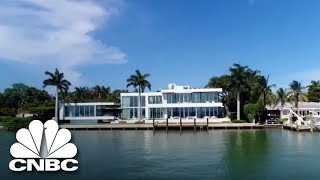 Download Rihanna Filmed A Music Video At This Miami Estate | Secret Lives Of The Super Rich | CNBC Prime Video