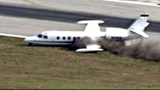 Download Tense moment plane lands without wheel Video