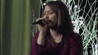 Download Josiane Comeau and Melanie Morgan duet 'The greatest man i never knew' Video
