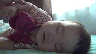 Download 寝起きのいい赤ちゃん Video