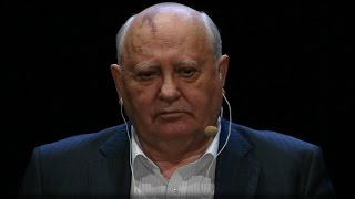Download UH-OH: POWERFUL SOVIET LEADER GOES FOR PUTIN'S THROAT Video