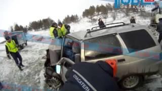 Download Спасатели нашли на груди погибшей лыжницы медаль Video