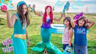 Download Princess Jasmine and Little Mermaid | Water Balloon Pool Party with Twins Kate & Lilly Video