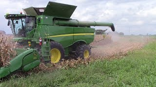 Download 2,800 Acre Corn Field Harvested by 5 John Deere S690 Combines Video
