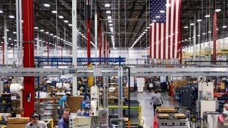 Download Manufacturing boom could hurt Democrats during midterm elections Video