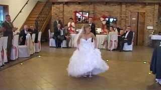 Download Nasz śmieszny pierwszy taniec! 21.09.2013!!! Sylwia i Jarosław! Video