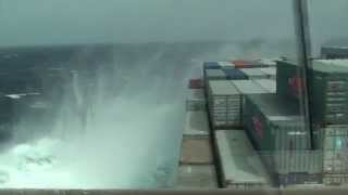 Download Stress and effect on a vessel in severe weather conditions Video