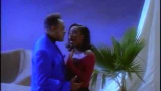 Download A Whole New World - Peabo Bryson and Regina Belle Video